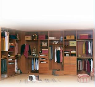 Guia util armarios empotrados inmobiliaria pramar - Vestir un armario ...
